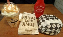 Pacote completo: batata, ketchup de goiabada, sacode e T.T. Burger